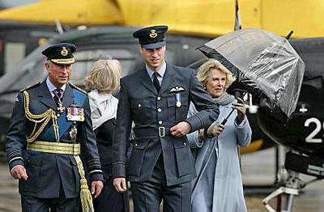 Myös prinssi Charlesin puoliso Camilla osallistui RAF:n Cranwellin tukikohdassa pidettyyn tilaisuuteen.