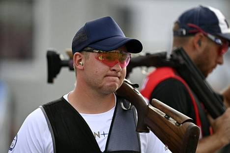 Eetu Kallioinen ampui peruskilpailussa vain kaksi hutia 125 kiekosta ja selviytyi kuuden ampujan finaaliin, jossa hän oli selvästi nuorin kilpailija.