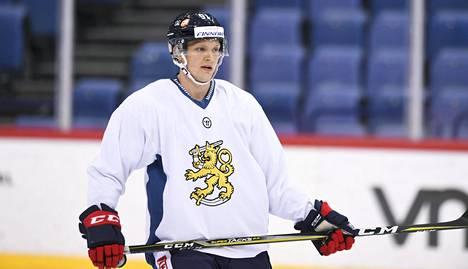 Näkyvä on pelannut vuosina 2013–19 Leijonissa 23 ottelua. Arvokisoissa hän ei kuitenkaan ole ollut mukana.