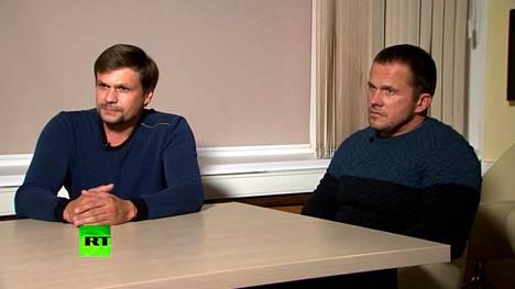 Sergei ja Julia Skripalin mykytyksestä epäiltyjä kahta GRU-agenttia haastateltiin Venäjän RT-kanavalle. He väittivät tuolloin käyneensä Salisburyssa vain turistina ihailemassa kaupungin kuuluisaa katedraalia.