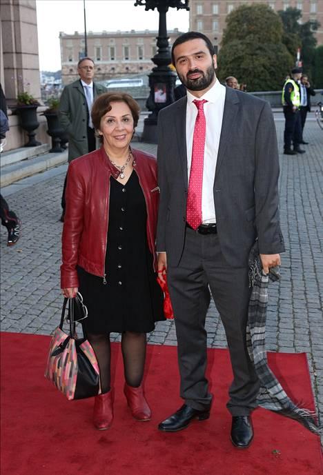 Ali Esbati on purkanut traumojaan kirjaan. Häneltä ilmestyi aiemmin tänä vuonna kirja 10 vuotta Utöyan jälkeen – Voit paeta mielipuolta, mutta et voi piiloutua yhteiskunnalta.