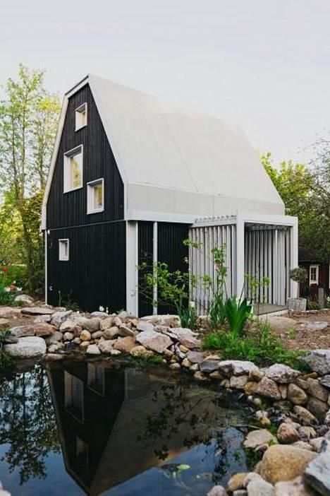 49-neliön Yksiö Puutarhassa on Olli Enteen mukaan Suomen ensimmäinen tämän kokoluokan tyyppitalo.