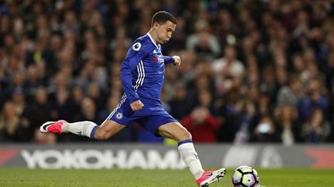 Eden Hazard oli Chelsean sankari, kun joukkue voitti Manchester Cityn Valioliigassa.