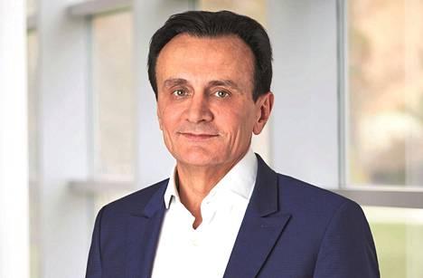 AstraZenecan toimitusjohtaja Pascal Soriot avasi toimitussopimuksen sisältöä keskiviikkona julkaistussa haastattelussa.