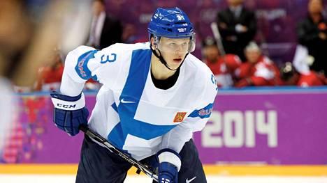 Olli Määttä pelasi vielä viime kaudella juniorikiekkoa.