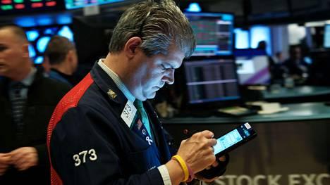 Dow Jones päätyi päivän päätteeksi 28 004,01 pisteeseen. Arkistokuva.