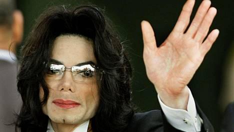 John Lomas ei enää halua kantaa Michael Jacksonin nimeä. Syynä tähän on kohudokumentti Leaving Neverland.