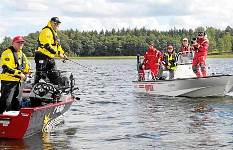 Arktiset vedet -kuvaustiimi osallistuu kauden avausjaksossa Suomen kovatasoisimpaan heittokalastuskilpailuun Tammisaaressa. Voittajatiimi pääsee Hollantiin Euroopan kovimpaan viehekalastuskilpailuun.