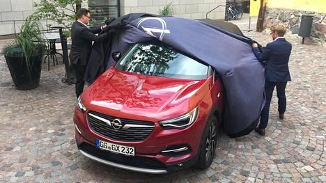 Tältä se näyttää. Opel Grandland X paljastettiin eilen Helsingissä.