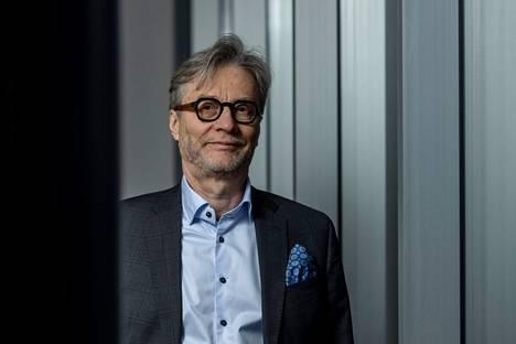 –Deltavariantin tartuttavuus ja sairastuttavuus ovat sitä luokkaa, että kyllä alueellisia ja paikallisia rajoitustoimia joudutaan luultavasti tekemään, Markku Mäkijärvi uskoo.