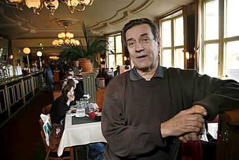 Pekka Laiho tekee ravintola-show´n kulttuuriravintola Tillikan historiasta. -Se oli hienoa, luovaa aikaa, muistelee Laiho Tillikan vuosiaan.