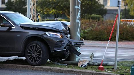 Korvattujen ajoneuvovahinkojen määrä väheni selvästi koronan myötä.