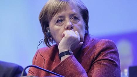 Angela Merkel vierailee tänään Chemnitzin kaupungissa, jossa on syksyn aikana vallinnut jännittynyt ilmapiiri Merkelin maahanmuuttopolitiikkaa vastustavien ja kannattavien kesken.