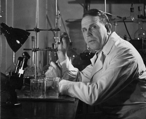 Artturi Ilmari Virtanen oli ehdolla monta kertaa Nobelin palkinnon saajaksi, ennen kuin kunnia osui kohdalle vuonna 1945.
