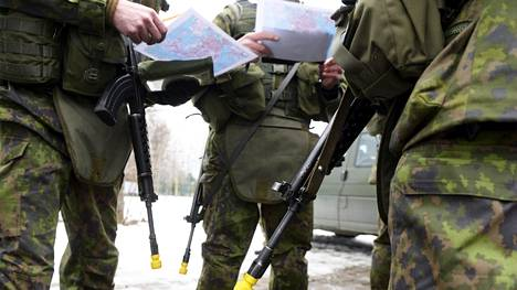 Euroopan unionissa väännetään parhaillaan kättä ampuma-asedirektiivistä, joka tähtää moniin tiukennuksiin jäsenmaiden aselainsäädännöissä.