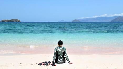 Kaakkois-Aasiasta löytyy läjäpäin ihania pikkusaaria ja hiekkarantoja. Eivät ne toki kuulu monenkaan seudulla asuvan arkeen, mutta tarjoavat aina välillä mainioita pakopaikkoja.