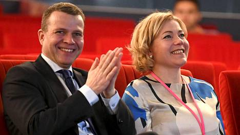 Kokoomuksen puheenjohtaja ja valtiovarainministeri Petteri Orpo sekä europarlamentaarikko Henna Virkkunen ottivat osaa puolueen työelämäristeilylle 24. maaliskuuta 2018.
