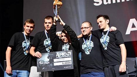 Puolalainen eBettle-joukkue voitti Assembly Summer 2015 -tapahtumassa pelatun Counter-Strike: Global Offensive -turnauksen.