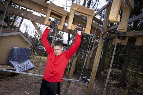 Jan von Gerich harrastaa rautaista kestävyys- ja lihaskuntoa vaativaa urheilulajia.