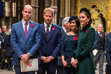 Prinssi William, prinssi Harry, herttuatar Meghan ja herttuatar Catherine.