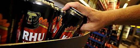 Päivittäin olutta tai viinaa nauttivilla miehillä useiden erityyppisten syöpien riskit nousevat tuntuvasti.