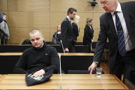 Jesse Torniainen kuvattuna Helsingin hovioikeudessa viime vuoden joulukuussa.