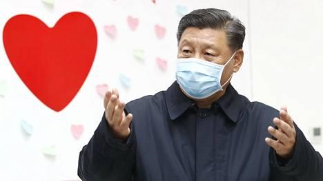 Kiinan presidentti Xi Jinping kuvattuna tartuntatautien hallinta- ja ehkäisykeskusta Pekingissä 10. helmikuuta.