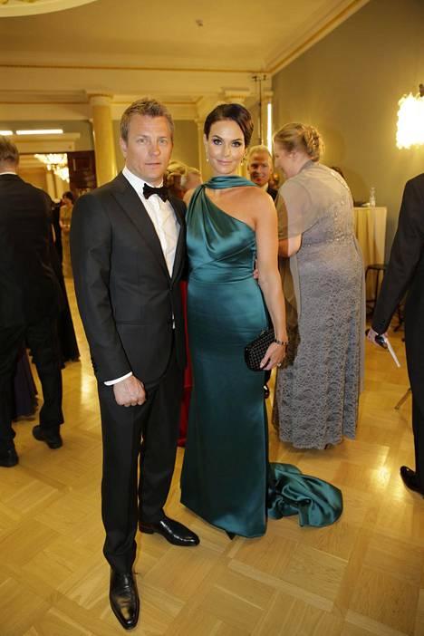 Minttu Räikkönen valitsi Linnaan viime vuonna ylleen Armanin puvun.