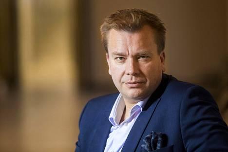 Kansanedustaja Antti Kaikkonen kertoi IS:lle hänen ja Satu Taiveahon olevan hyvissä väleissä erosta huolimatta. Toistaiseksi he asuvat saman katon alla.