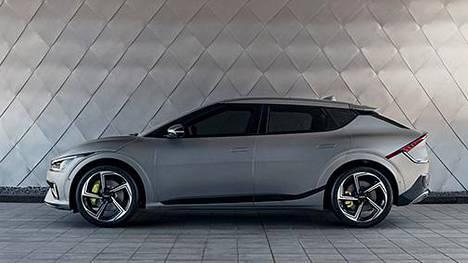 Malliston huippuversio on 77,4 kWh akustolla varustettu nelivetoinen EV6 GT, jossa on tehoa 575 hevosvoimaa maksimiväännön ollessa 740 newtonmetriä.