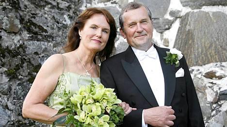 Panu Rajala ja Marja Norha vihittiin Sastamalan vanhassa kirkossa 2007.
