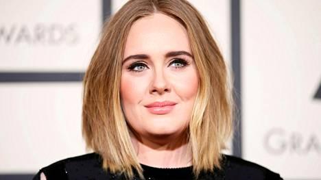 Laulajatähti Adele ja Simon Konecki: Avioero!
