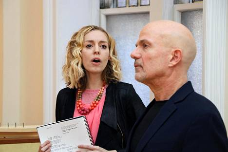 Johanna Telander ja Kalevala-musikaalissa Väinämöistä näyttelevä John Koski Columbian yliopistolla New Yorkissa keväällä 2019.