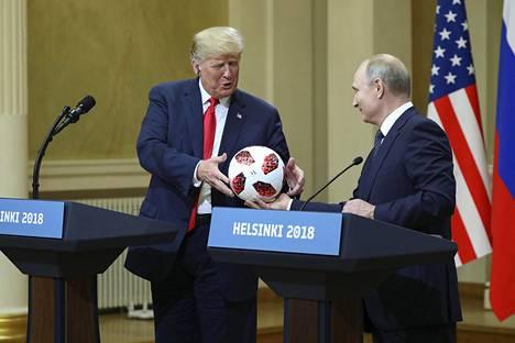 Donald Trump ja Vladimir Putin tapasivat Helsingissä viime heinäkuussa.