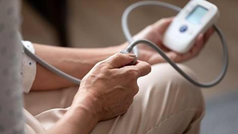 Korkeaa verenpainetta ei saa jäädä vain seurailemaan, vaan se on tärkeää saada hoidolla hallintaan.