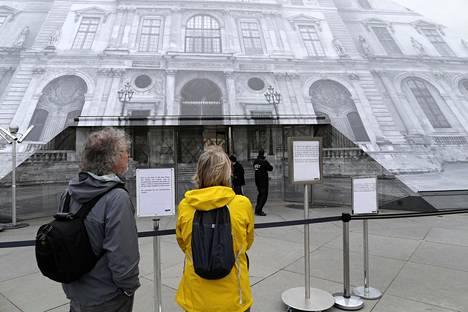 Louvre on suljettu tulvien vuoksi.