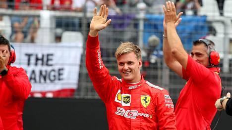 Ferrarin ajohaalari on Mick Schumacherille jo tuttu työasu. Nähdäänkö Schumacher Junior jo kaudella 2023 Maranellon punaisen oriin ratissa?