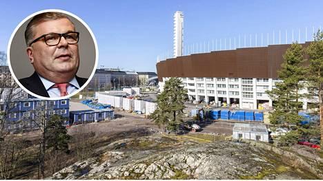 Palloliiton puheenjohtaja Ari Lahti kommentoi Olympiastadionin remontista paljastuneita epäkohtia.