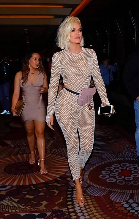 Khloé tunnetaan näyttävästä pukeutumistyylistään.