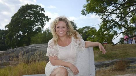 Maria Sidin koti on Tukholmassa, mutta lomansa hän viettää Suomessa.