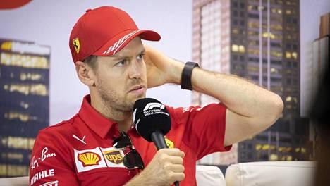 Sebastian Vettelin tulevaisuus puhuttaa.
