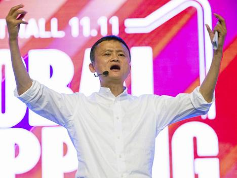 Alibaban perustaja Jack Ma lavalla lokakuussa. Itsekin sinkulla Ma'lla on syytä riemuita sinkkupäivän menestyksestä.