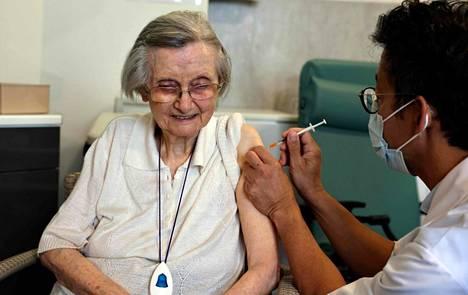 Ranskassa tehosteannoksen saavat ensimmäisenä iäkkäät ja riskiryhmään kuuluvat.