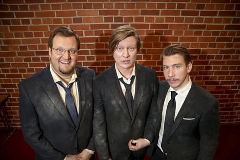 Luokkakokous-tähdet Sami Hedberg, Jaajo Linnonmaa ja Aku Hirviniemi.