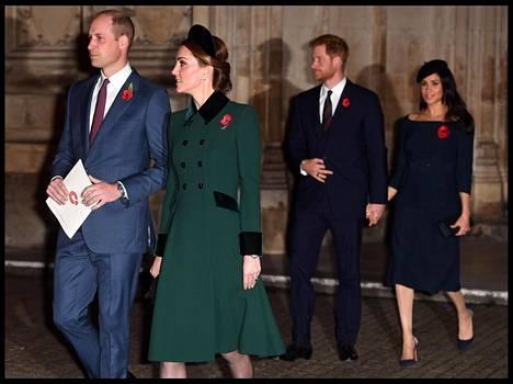 Julkisuudessa William, Catherine, Harry ja Meghan ovat näyttäytyneet sulassa sovussa. Brittilehtien lähteiden mukaan parien välillä vallitsee kuitenkin jäinen tunnelma.