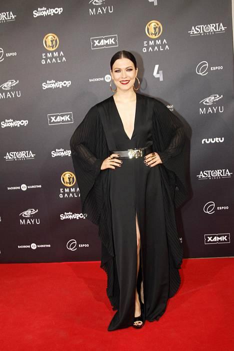 Helmikuussa järjestetyssä Emma-gaalassa Jenni Vartianen otti kantaa #metoo-kampanjaan pukeutumalla mustaan.