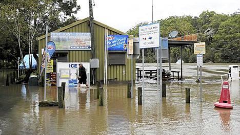 Sateet saivat Sydneyn tulvimaan.