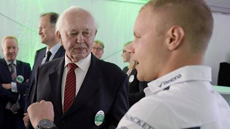 Antti Aarnio-Wihuri (vas.) tuki Valtteri Bottasta 20 vuoden ajan.