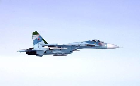 Ilmavoimien ottama kuva venäläisestä SU-27 -hävittäjästä, joka loukkasi Suomen ilmatilaa Suomenlahdella 6. lokakuuta 2016. Kyseisenä päivänä venäläinen SU-27 -hävittäjä tunkeutui Suomen ilmatilaan kahdesti.