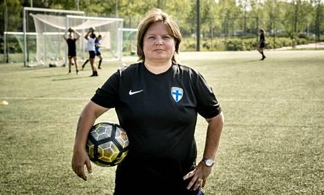 Marianne Miettinen on Palloliiton tyttöjen huippujalkapallopäällikkö ja nuorten maajoukkuevalmentaja.
